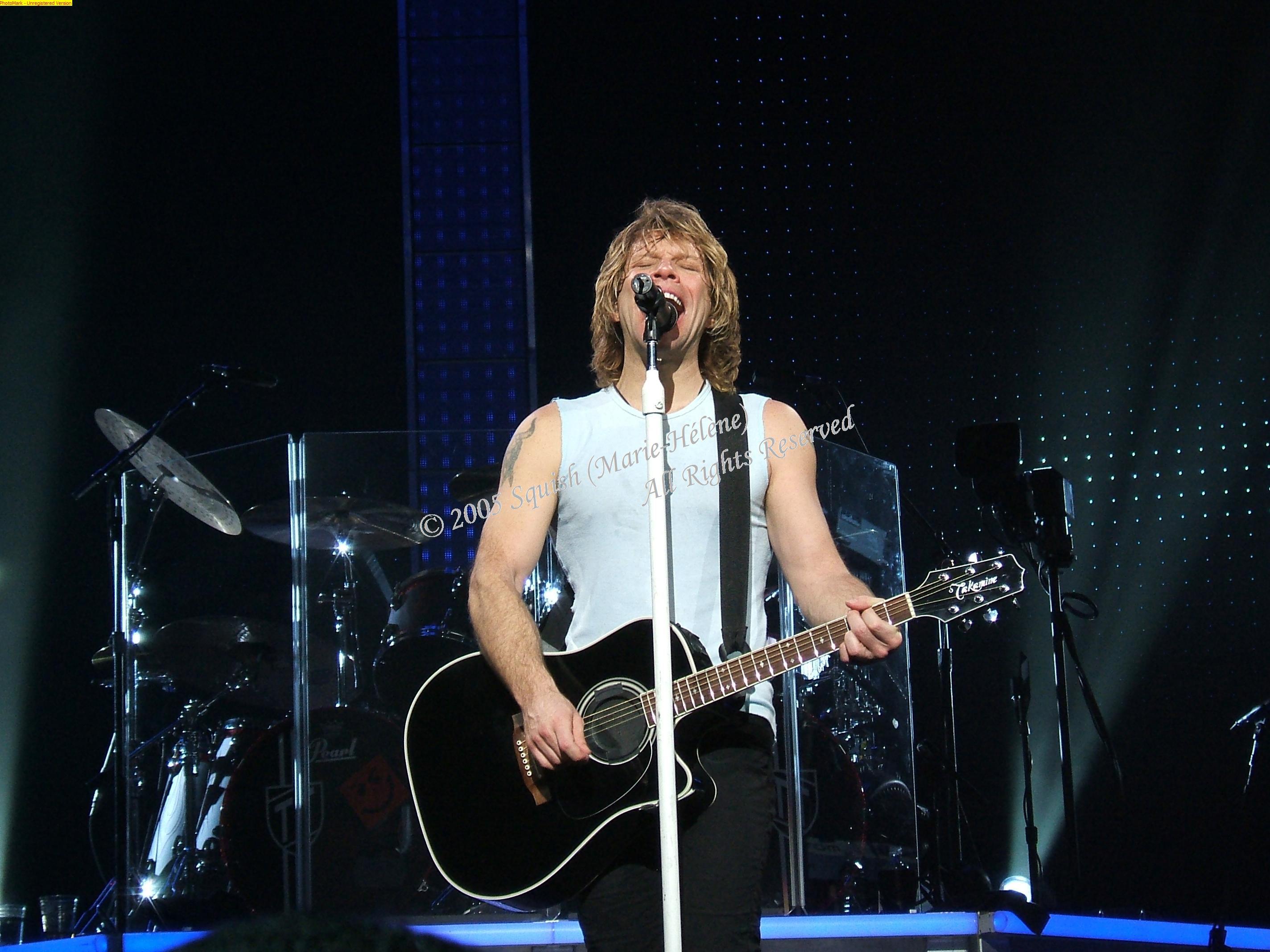 Bon Jovi - Bell Centre, Quebec, Canada (December 14, 2005)
